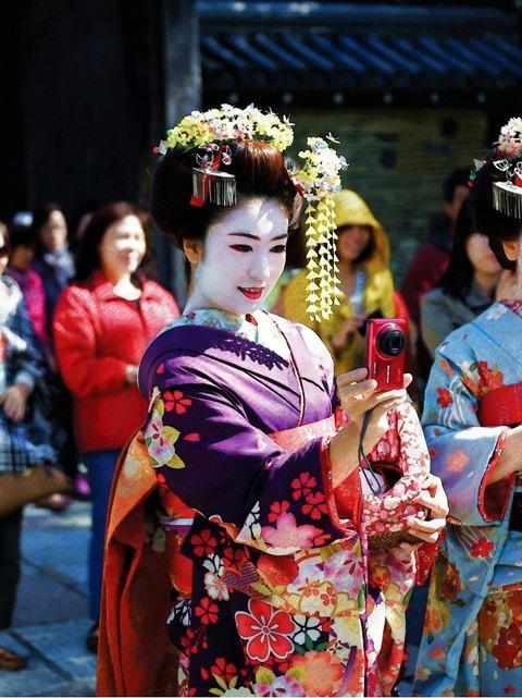 geisha-5019240_1920