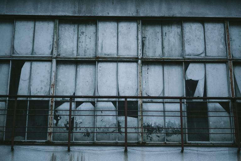 【心霊怖い話】色々噂のある不気味な空家があった