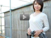 パコパコママ 無料サンプル動画 アウトドアが好きな熟女をだまして野外露出させてみました 神埼久美