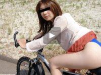 天然むすめ 無料サンプル動画 ちゃりん娘 ~地元住宅街で直マン自転車~ 水本綾
