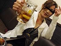 天然むすめ 無料サンプル動画 泥酔娘のパイパンワレメ酒に乾杯! 桐島れい