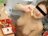 天然むすめ 無料サンプル動画 彼女の部屋に泊まりこんでハメまくり後編 ~全裸で朝食セックス~ 谷崎むつみ