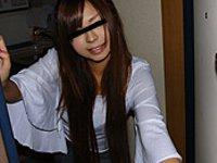 天然むすめ 無料サンプル動画 ひとり暮らしの女の子のお部屋拝見 ~自宅でTバックをはく娘~ 浅倉真美