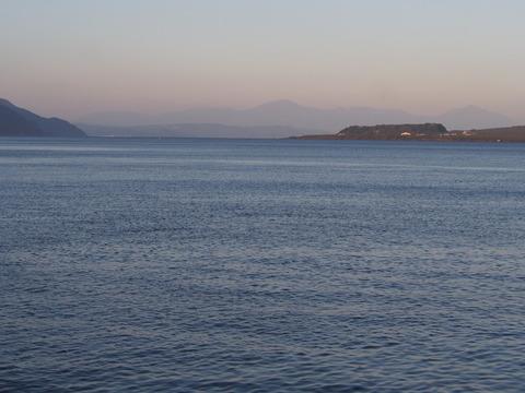鴨池港から霧島連山