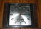 古い時計だけどエネループで動きました