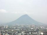 丸亀城から見た讃岐富士
