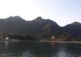 海上から見た弥山(左側のピーク)