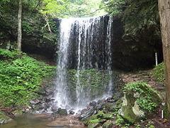 岩井滝(裏見の滝)