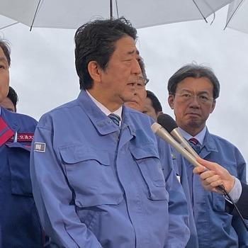 総理の宮城県訪問に随行3jpg