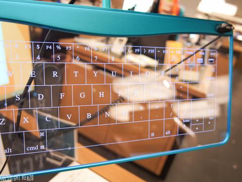 ガラス製キーボードQ_Gadget_KB01_6