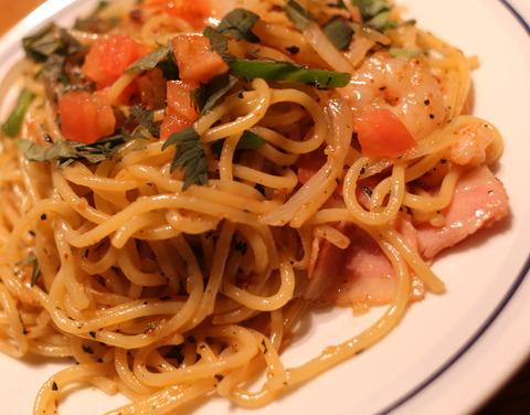 関谷スパゲティ_醤油バジリコ