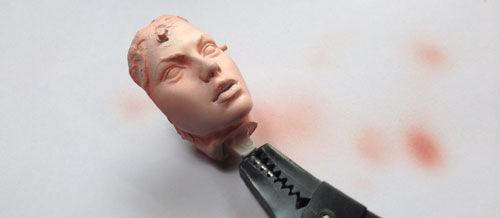 09顔を塗り直す