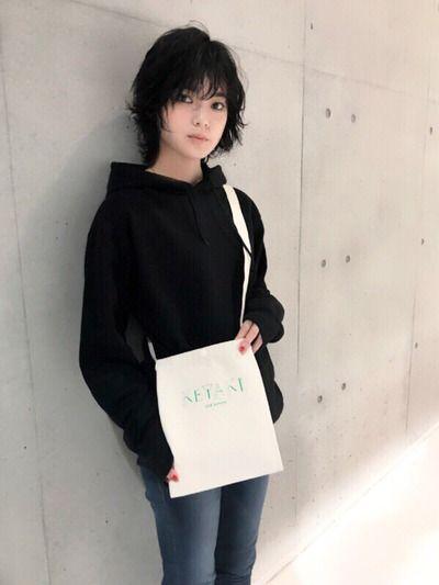 平手友梨奈「ひーちゃんって呼ばれたい」ツアーブック「KEYAKI」にて好きなタイプも告白!