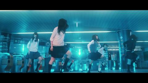 欅坂46 『月曜日の朝、スカートを切られた』 111