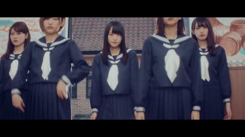 欅坂46 『割れたスマホ』 018