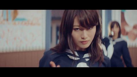 欅坂46 『割れたスマホ』 250