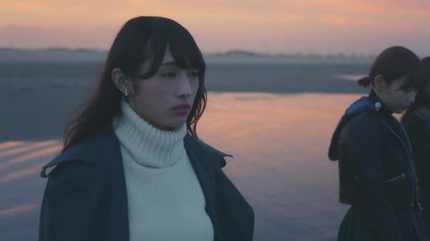 欅坂46 『波打ち際を走らないか?』 555