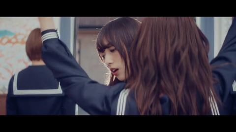 欅坂46 『割れたスマホ』 140