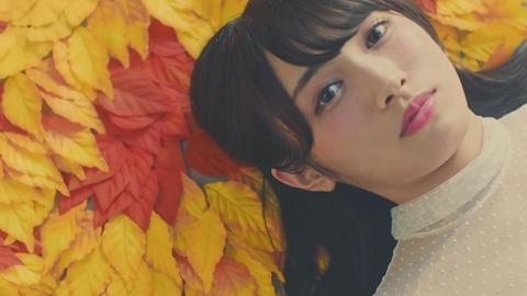 欅坂46 『波打ち際を走らないか?』 076