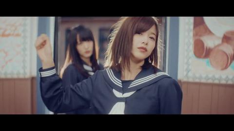 欅坂46 『割れたスマホ』 300