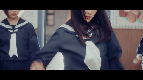 欅坂46 『割れたスマホ』 081