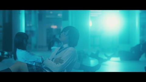欅坂46 『月曜日の朝、スカートを切られた』 053