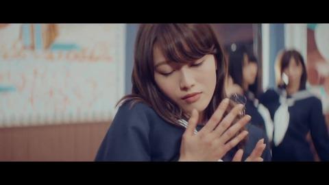 欅坂46 『割れたスマホ』 251
