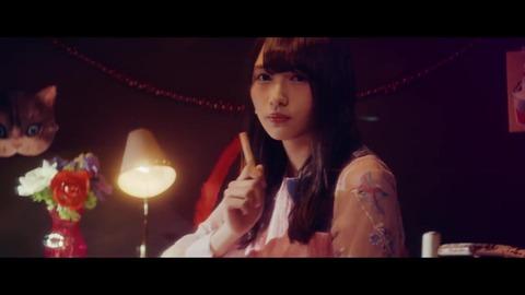 欅坂46 『割れたスマホ』 400