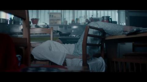 欅坂46 『エキセントリック』 001
