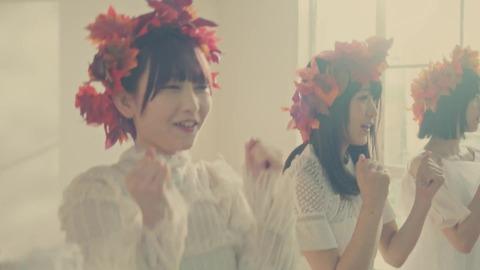 欅坂46 『波打ち際を走らないか?』 054