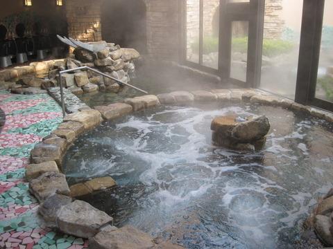 770x6110_石風呂気泡浴