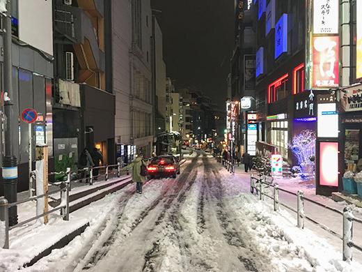 六本木坂道雪景1