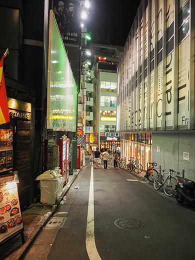 渋谷パルコと井ノ頭通りへと下る坂道2