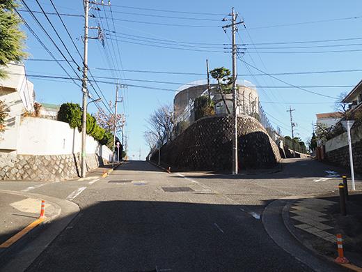 聖蹟桜ヶ丘の桜ヶ丘浄水所横の坂道4