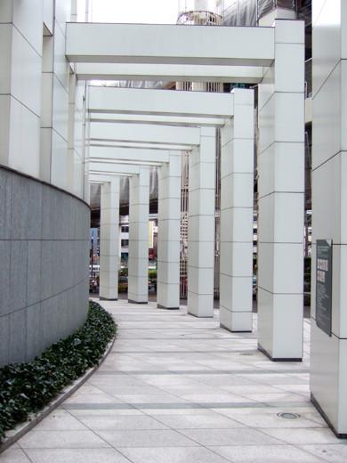 六本木の三角地帯に隣接した回廊のような坂5