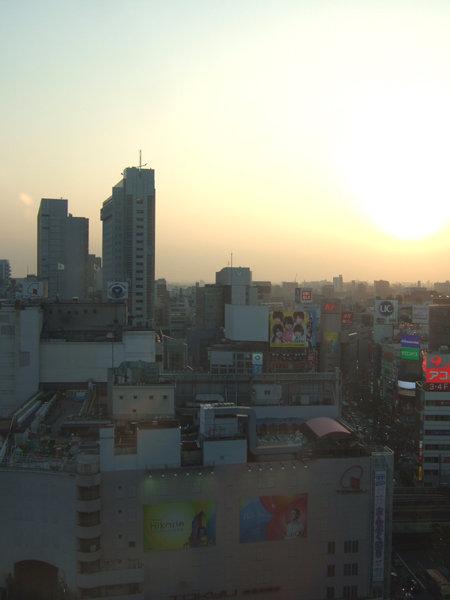 渋谷ヒカリエと宮益坂4