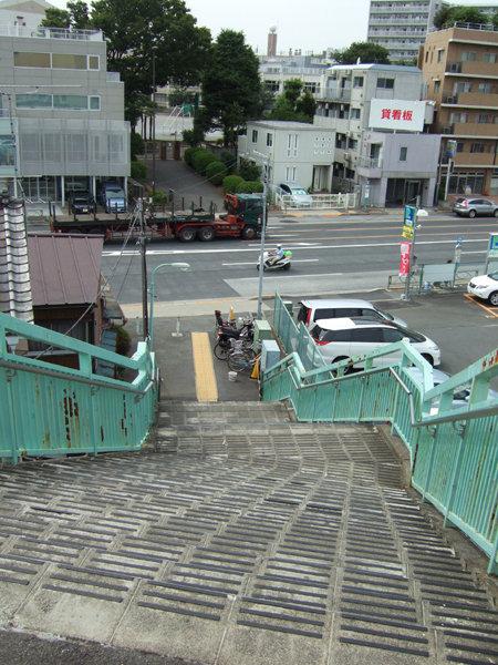 馬込車両検修場のわきを通る坂道8