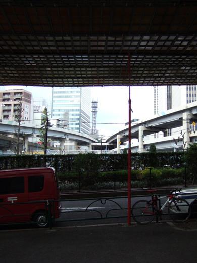 六本木の三角地帯に隣接した回廊のような坂4