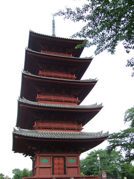 五重塔がある本門寺境内の坂6