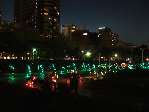 横浜山下公園の人力ライトアップ2