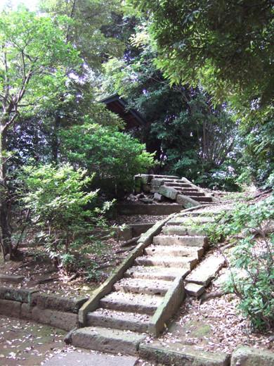 馬込城と湯殿神社の階段2