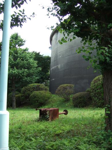 給水塔のある坂道風景4