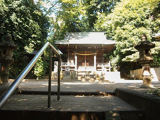 岡本八幡神社のおとこ坂?そしてユーミンの石灯篭。。7