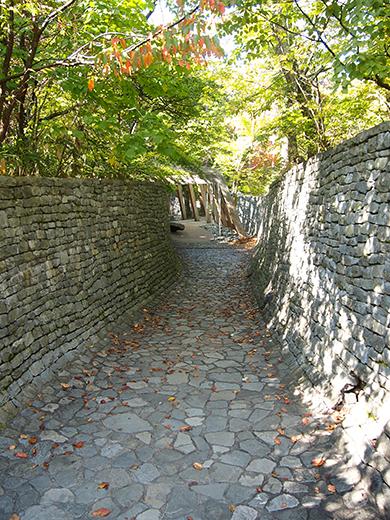 石の教会・内村鑑三記念堂内の坂道をぶらりと3