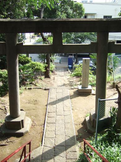 子安八幡神社の急階段3