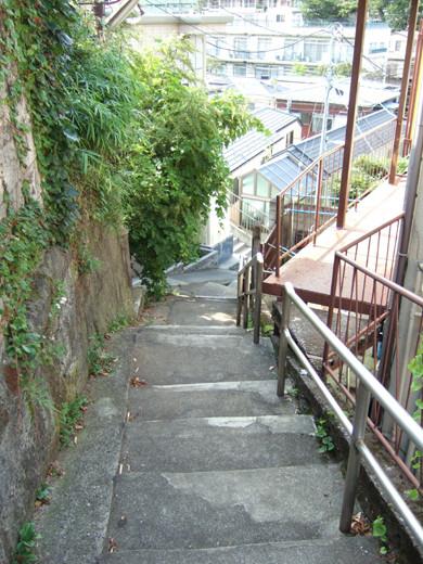 大田区山王の厳島神社へ下る階段2