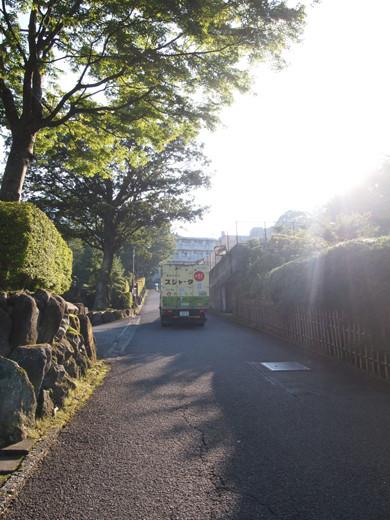 坂道を箱根登山ケーブルカーとともに6