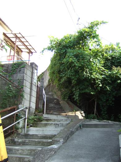 大田区山王の厳島神社へ下る階段3