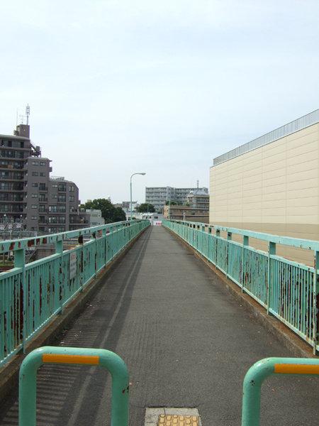 馬込車両検修場のわきを通る坂道4