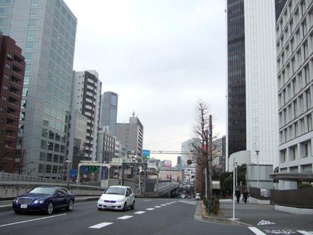 とある街の風景(六本木通り終点)